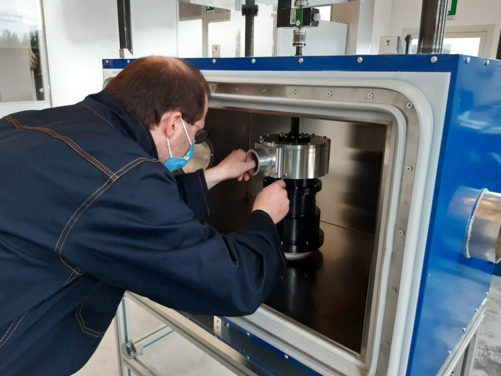 VGA cable testing facility